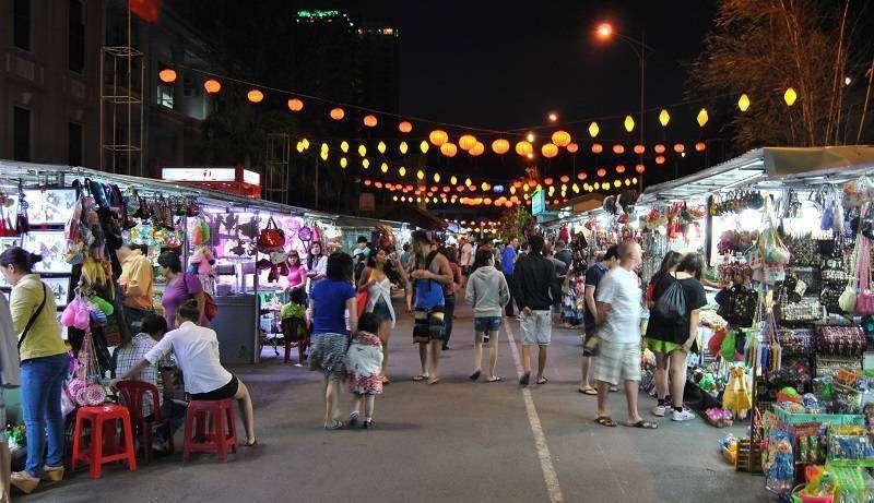 Khám phá khu chợ đêm Hạ Long