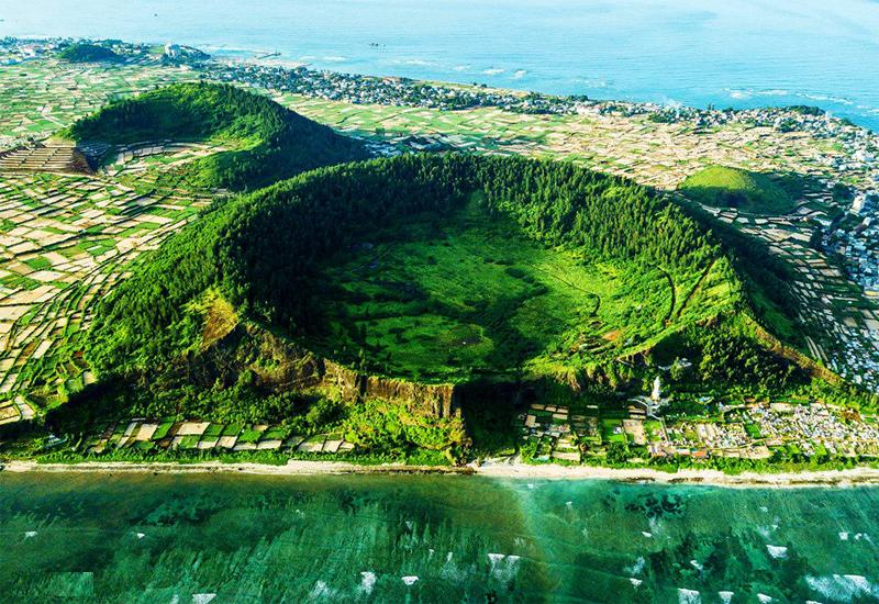 Từ trên cao nhìn xuống Đảo Lý Sơn cực kỳ đẹp