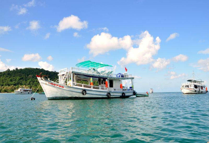 đi tàu ra đảo Nam Du