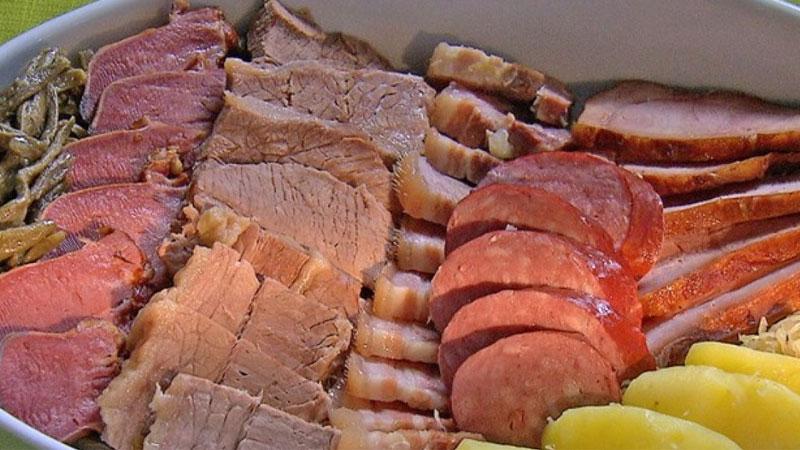 Đĩa thịt hỗn hợp