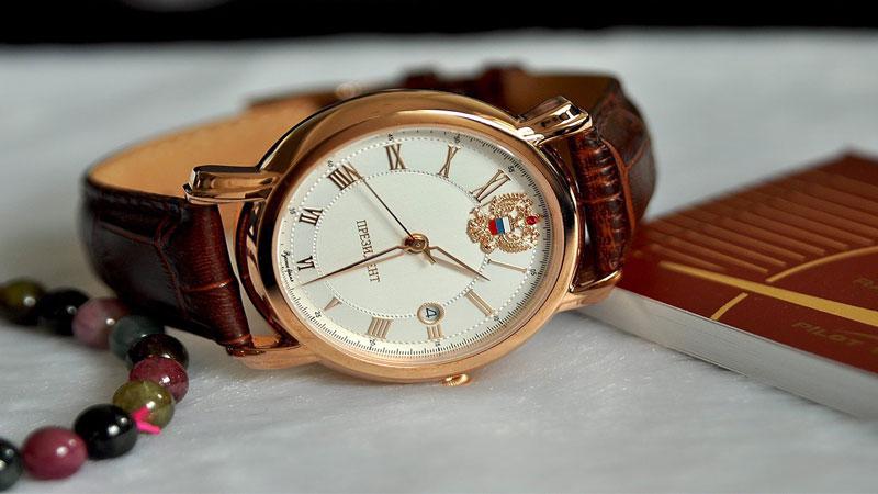 """Đồng hồ Nga Poljot - """"Đồng hồ Tổng thống"""" mua về làm quà tặng"""