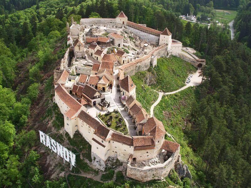 Tour du lịch Đông Âu đến với Brasov thành phố của Rumani