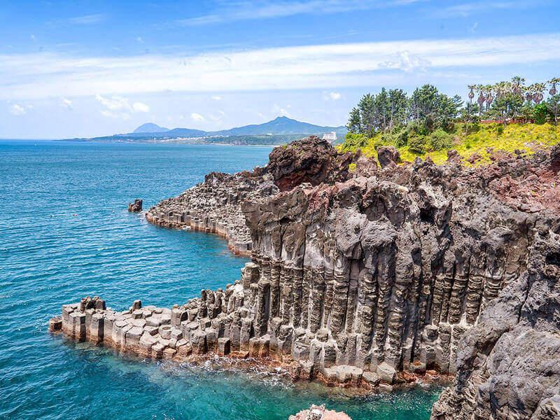 """Bãi biển Jungmun Hàn Quốckhông dành cho khách du lịch""""yếu tim"""""""