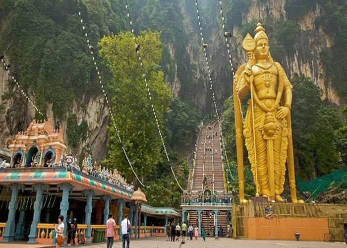 Du lịch Malaysia khám phá động Batu