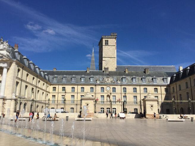 Tận hưởng vẻ đẹp du lịch Pháp nên đi những đâu?
