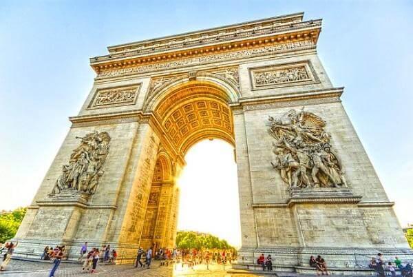 Nắm trong tay bí kíp du lịch Pháp như người bản địa!