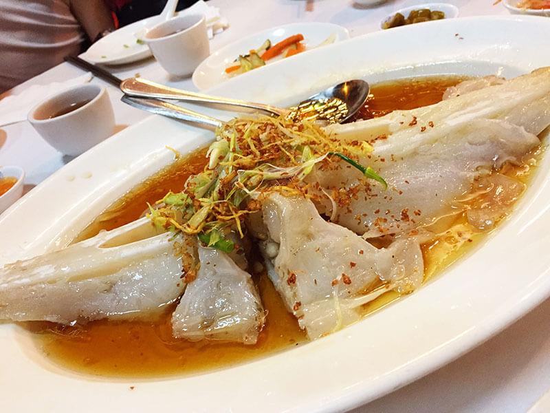 Những món ăn kỳ lạ ở Singapore thách thức vị giác khách du lịch