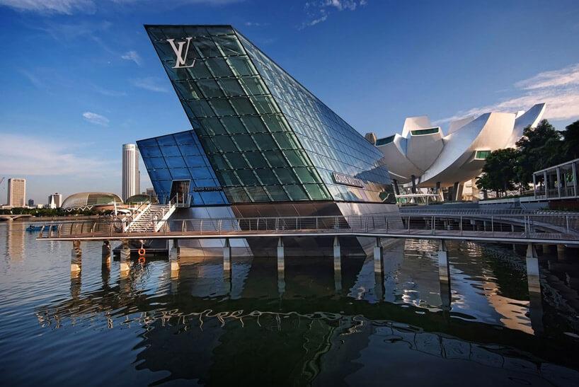 Du lịch Singapore trải nghiệm khách sạn Louis Vuitton