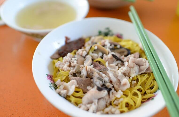 Du lịch Singapore thưởng thức món mì của quánFeng Zhen Lor Mee
