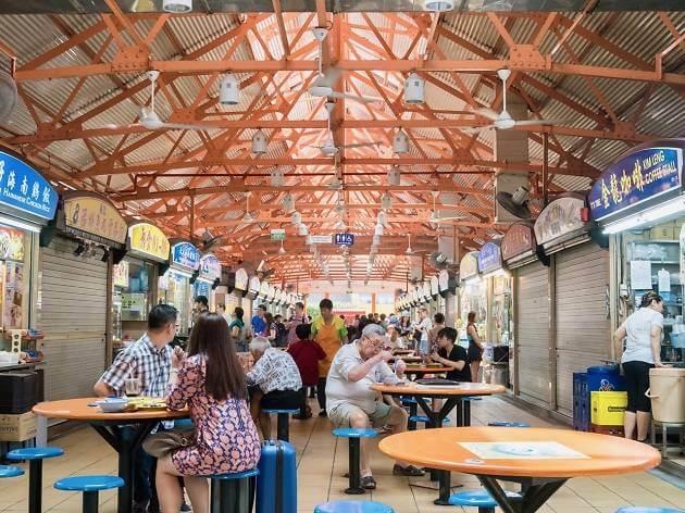 Du lịch Singapore thưởng thức ẩm thực ở Maxwell Road Hawker Centre