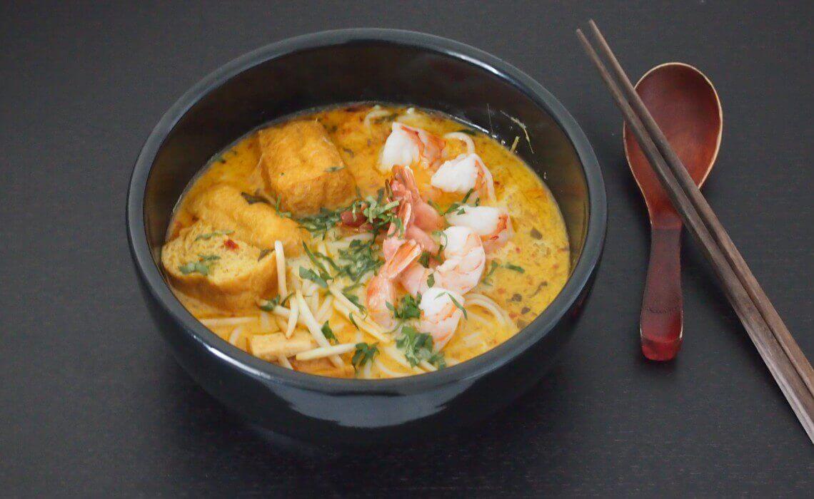 Du lịch Singapore thưởng thức món cà ri Laksa