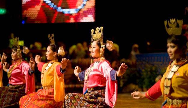 Du lịch Singapore mùa Thu - lễ hội Hari Raya