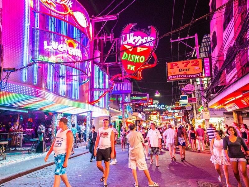 Du lịch Thái Lan tham quan các khu phố