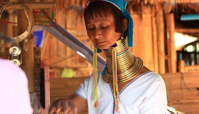 Du lịch Thái Lan khám phá làng dân tộc cổ dài Karen