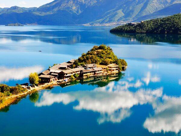 Du lịch Trung Quốc ghé thăm Hồ Lugu