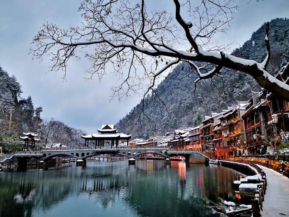 Du lịch Trung Quốc mùa Đông khám phá Phượng Hoàng Cổ Trấn