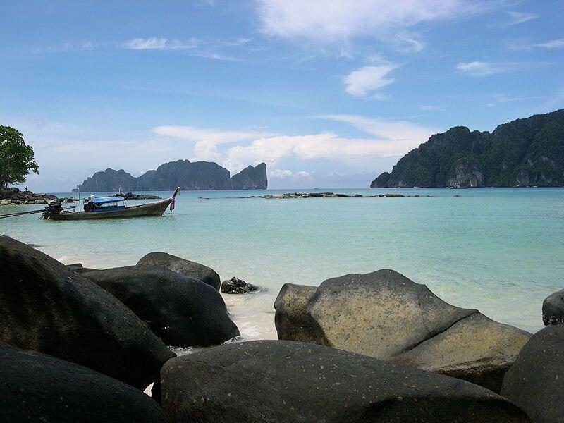 Du lịch châu Á đến đảo Phuket để tận hưởng các trải nghiệm và kỳ nghỉ ngơi tuyệt vời