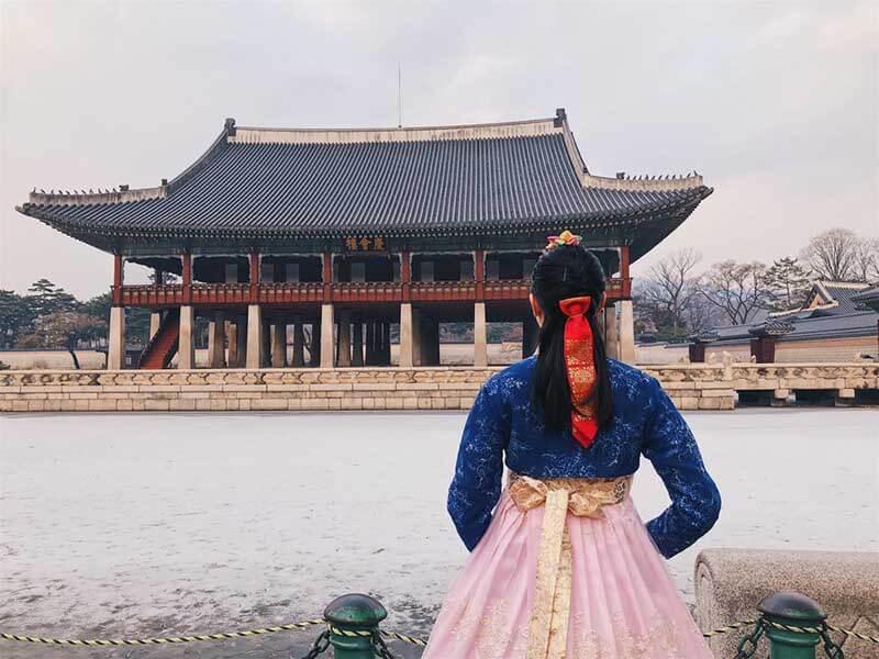 Khách du lịch Châu Á nên chọn trang phục phù hợp với từng thời điểm