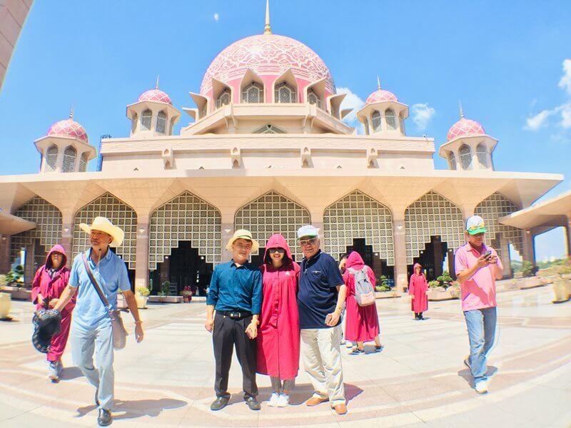 Khi đi tour Dubai, hãy tôn trọng văn hóa ở địa phương