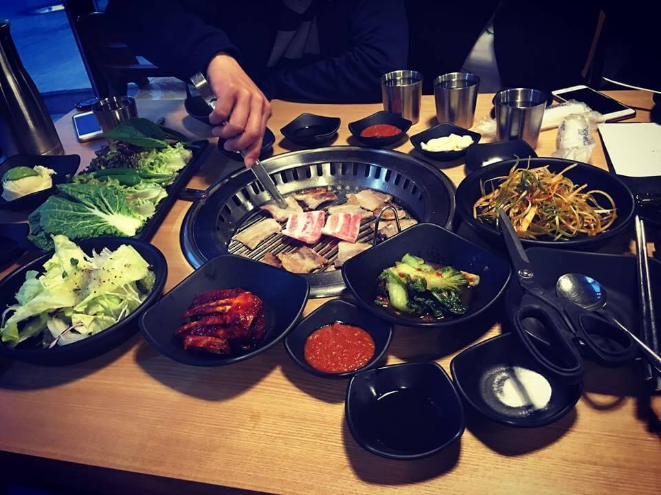 Khách du lịch mê mẩn những món nướng tại Hàn Quốc