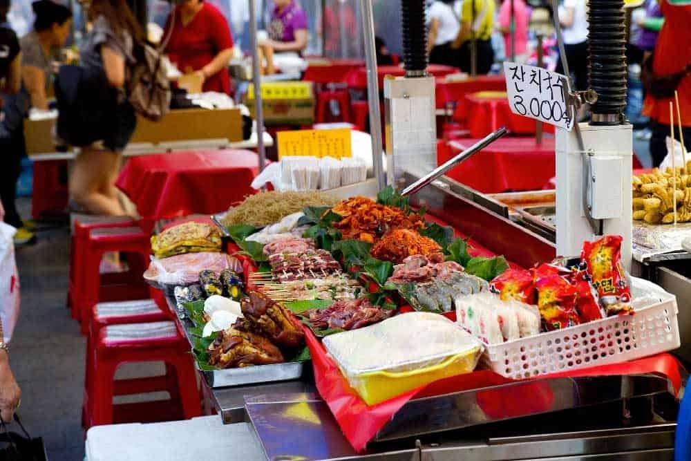 Du lịch Hàn Quốc để càn quét khu chợ Namdaemun nổi tiếng