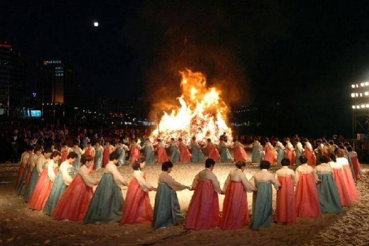 Du lịch Hàn Quốc vào mùa Xuân sẽ được tham gia nhiều lễ hội đặc sắc