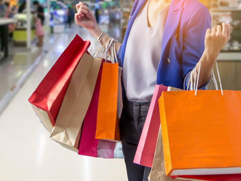 Điểm du lịch Hàn Quốc vẫn thu hút du khách bởi nhiều điểm đến mua sắm thú vị.