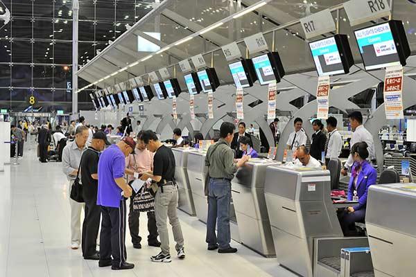 Để du lịch mùa lá đỏ Hàn Quốc,bạn cần phải có visađể có thể thực hiện thủ tục xuất nhập cảnh