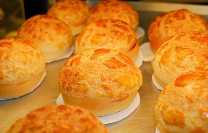 Du lịch Hồng Kông thưởng thức bánh dứa