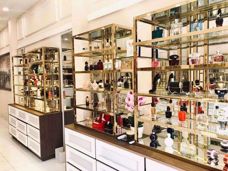 Mỹ phẩm và nước hoa là món quà tinh tế bạn không thể bỏ qua khi đi du lịch Hồng Kông