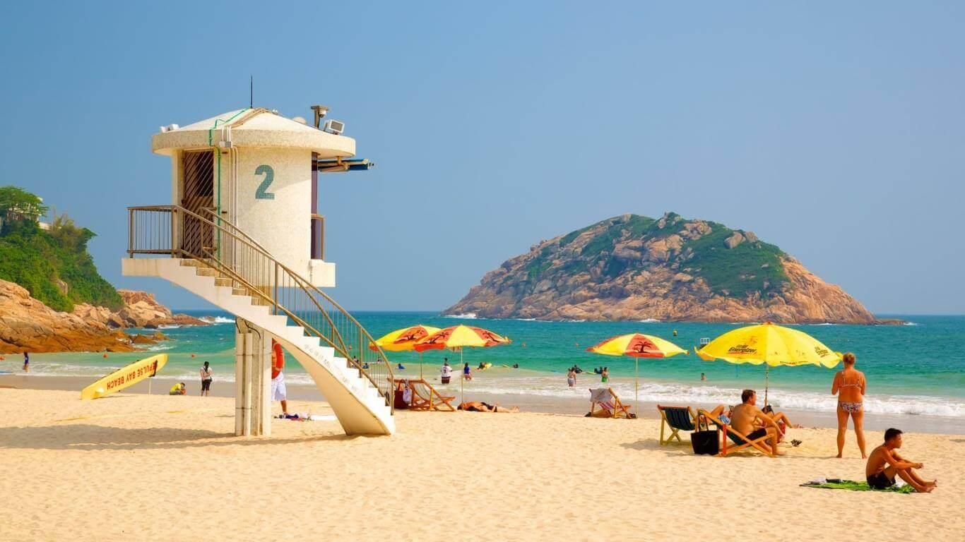 Shek O là bãi biển thu hút hàng ngànkhách du lịch Hồng Kông