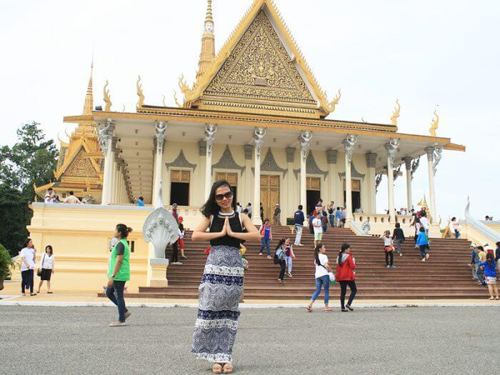 Ăn mặc lịch sự khi đi du lịch Indonesia