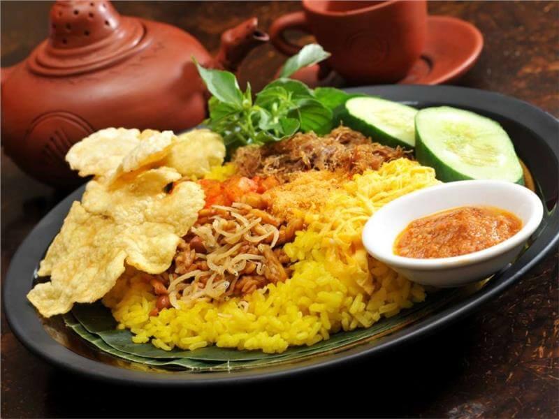 Du lịch Indonesia thưởng thức món Nasi Goreng