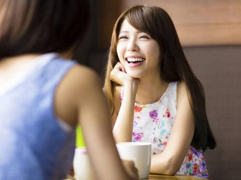 Ở Ondonesia, cười cởi mở được xem là hành động thiếu văn hóa