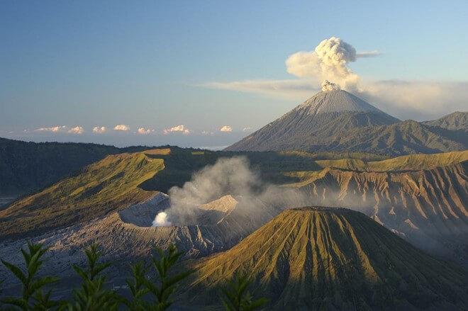 Điểm đến thú vị khi du lịch Indonesia chính là núi lửa Bromo