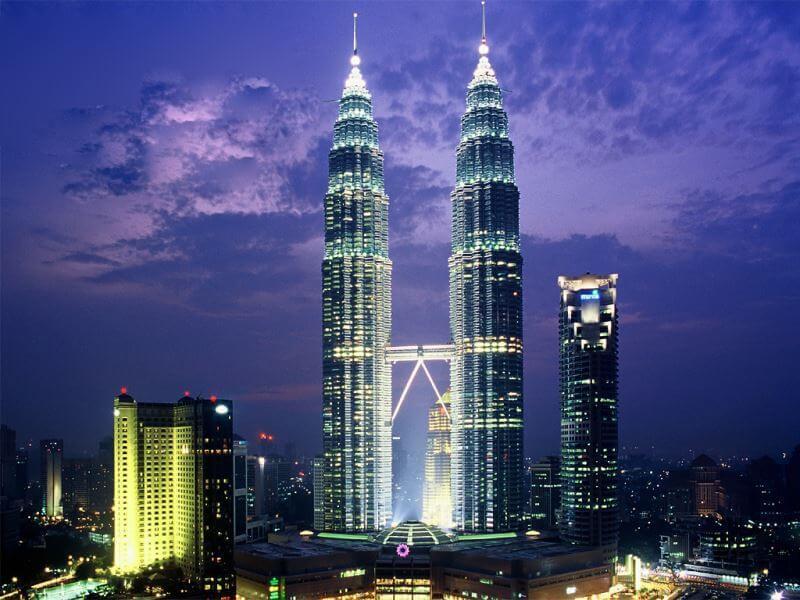 Du lịch Malaysia chiêm ngưỡng tháp đôi Petronas