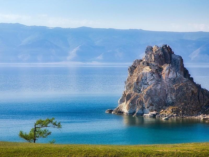 Du lịch Nga: Chiêm ngưỡng vẻ đẹp tinh khiết của hồ Baikal và hồ Xanh