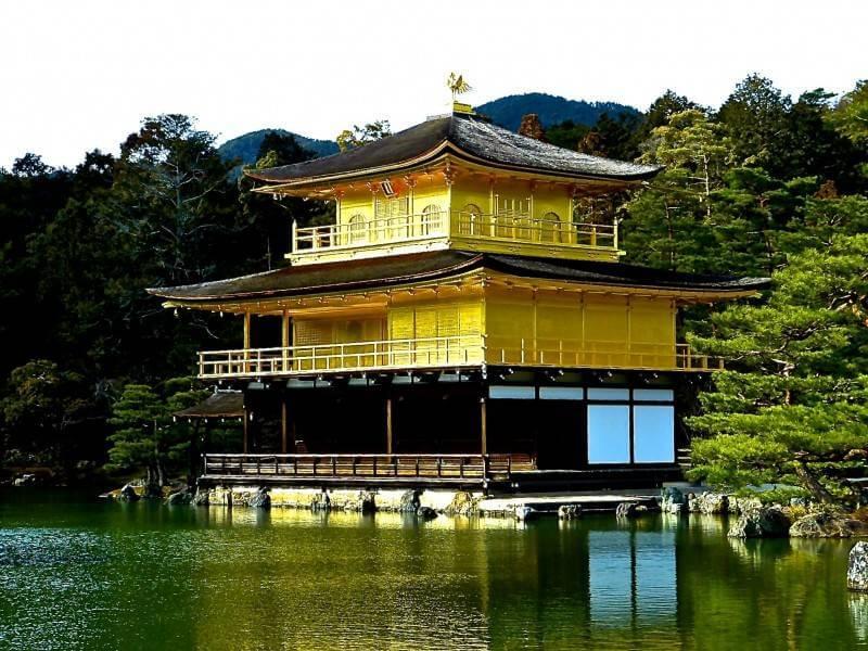 Đền Kinkaku điểm du lịch ở Nhật Bản mang nét cổ kín và yên bình