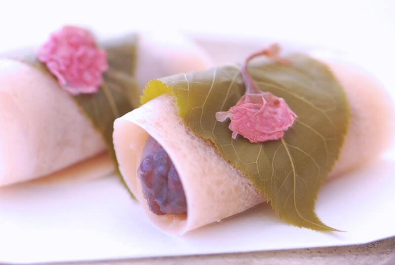 Du lịch Nhật Bản thưởng thức món Mochi anh đào