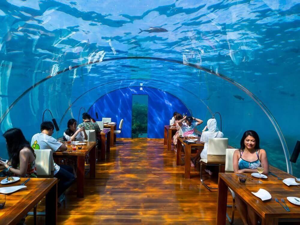 Đến khu ăn uống của khách du lịch cũng cầu kỳ không kém