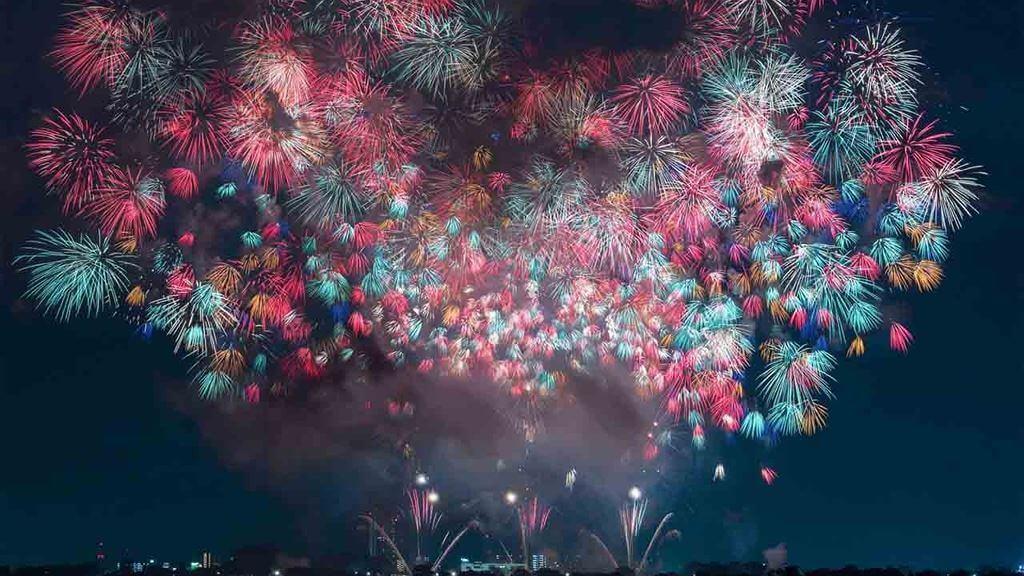 Những màn trình diễn pháo hoa đỉnh cao tại Nhật Bản vàomùa Hè