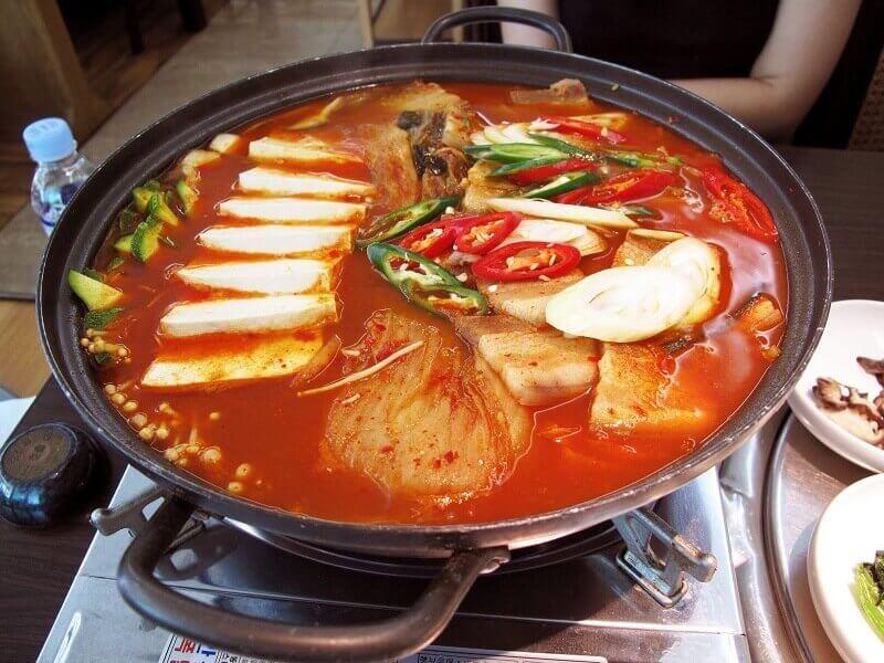 Lẩu Thái - Món ăn cay được khách du lịch Thái Lan yêu thích
