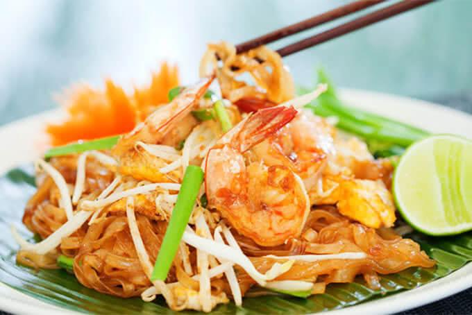 Du lịch Thái Lan thưởng thức món Pad thái