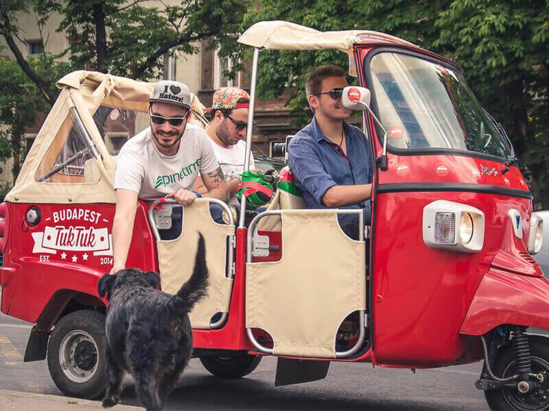 Du lịch Thái Lan bằng xe tuk tuk