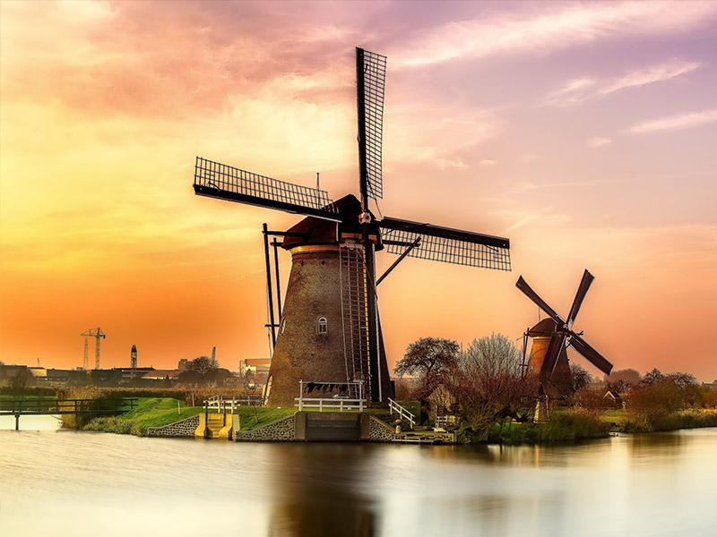 Hà Lan - Quê hương của những chiếc cối xay gió khổng lồ
