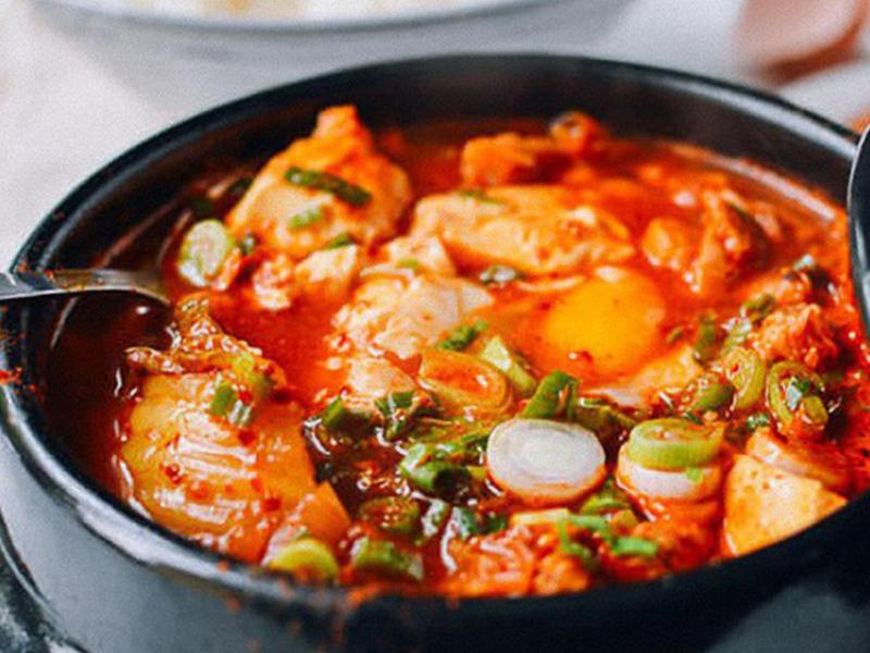 Du lịch Hàn Quốc - Món ăn Hàn Quốc - Đậu phụ hầm cay