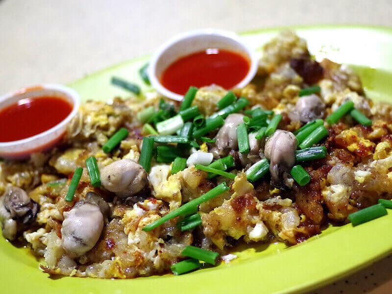 Du lịch Singapore ăn hàu tráng trứng thơm ngon