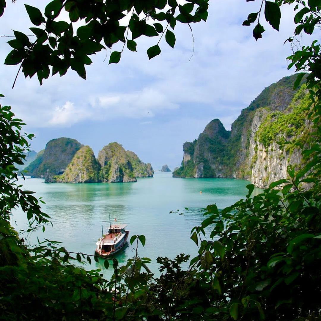Tour du lịch ha long - Vịnh Hạ Long - niềm tự hào của người dân Việt Nam