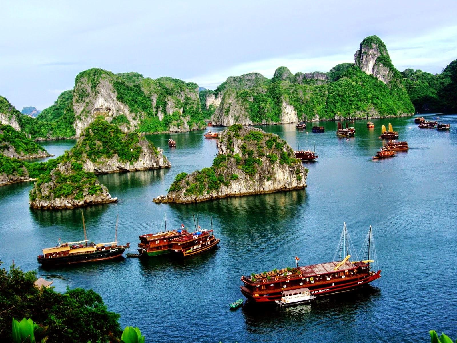 Tour du lịch ha long - Mùa hè luôn là mùa du lịch Hạ Long trọng điểm trong năm