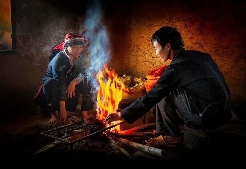 Ngồi bên đốm lửa bập bùng nghe những người dân bản địa kể những câu chuyện xưa